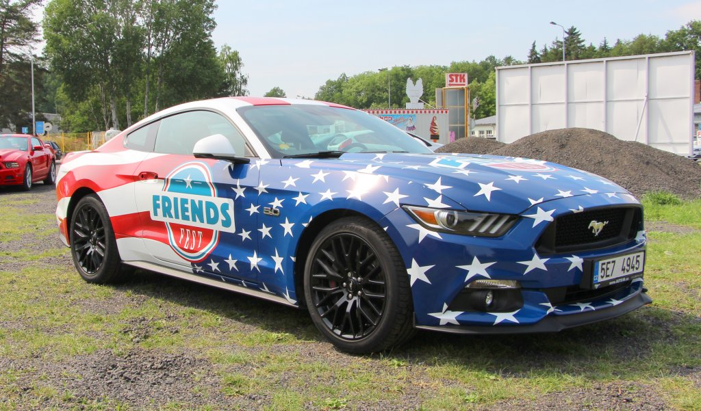 Titulek - FRIENDS FEST - celopolep Ford Mustang